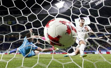 Kashima Antlers' Yuma Suzuki scores their third goal