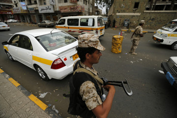 Army soldiers man checkpoint in Yemeni capital Sanaa