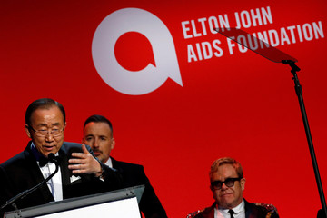 """United Nations Secretary-General Ban Ki-moon accepts the Founder's Award during Elton John AIDS Foundation's 15th Annual """"An Enduring Vision Benefit"""" in New York"""