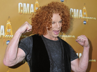 Carrot Top arrives at the annual Country Music Association Awards in Nashville
