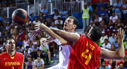 Pavlov of Russia and Juan Vasco of Spain fight for the ball during their 3x3 basketball final game at the 1st European Games in Baku