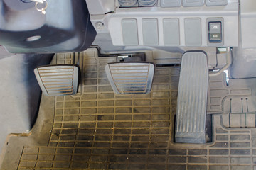 Brake pads, clutch pedal, accelerator pedal