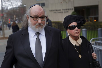 Convicted Israeli spy Jonathan Pollard arrives at U.S. District court for a hearing with his wife Elaine Zeitz in the Manhattan borough of New York