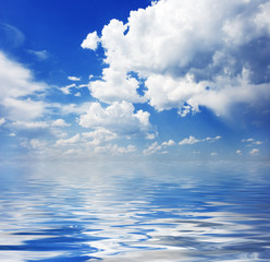 Fototapete - Cloudscape and water