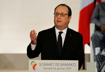 French President Francois Hollande talks at the international conference center of Bamako during the France-Africa summit in Bamako