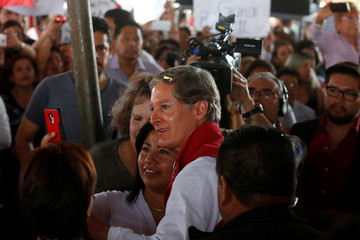 Alfredo del Mazo of Institutional Revolutionary Party (PRI), candidate for governor of the State of Mexico, interacts with audience during his electoral campaign in Ecatepec