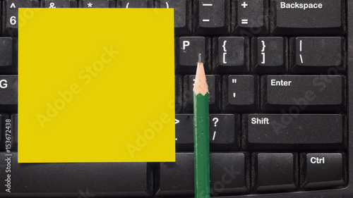 Wall mural keyboard close up with post it and  pencil