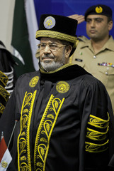 Egyptian President Mohamed Morsi receives honorary of doctor of Philosophy in Islamabad