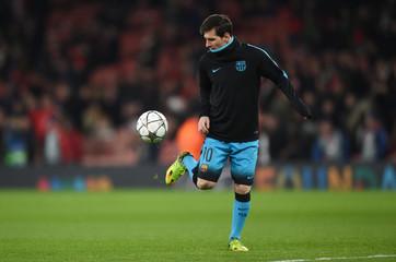 Arsenal v FC Barcelona - UEFA Champions League Round of 16 First Leg