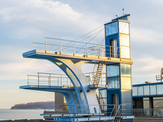 High diving tower