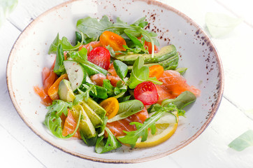Salmon salad with cherry tomatoes