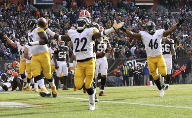 Steelers' Rainey coasts into the endzone for a touchdown during their NFL football game against the Browns in Cleveland
