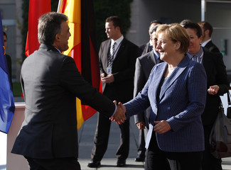 German Chancellor Merkel welcomes Turkish President Gul for talks at Chancellery in Berlin
