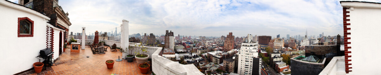 Downtown New-York Skyline Panorama from a Porch