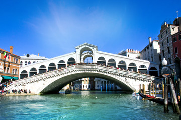 Obraz Splendido ponte di Rialto - Venezia, Italia - fototapety do salonu