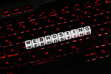 Webhosting Symbol auf Tastatur