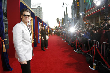 "Carrey poses at the premiere of ""The Incredible Burt Wonderstone"" in Hollywood"