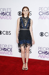 Actress Sarah Drew arrives at the People's Choice Awards 2017 in Los Angeles