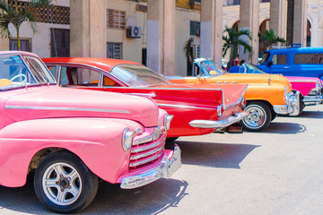 Paintings on glass Havana Colorful american classic car on the street in Havana, Cuba