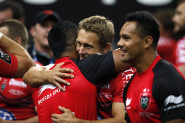 Toulon's Jonny Wilkinson celebrates with team mates after defeating Castres in their French rugby union final match at the Stade de France Stadium in Saint-Denis
