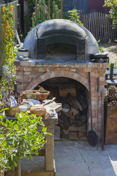 Outdoor Pizza Oven with Tuscan Grill and Smoker