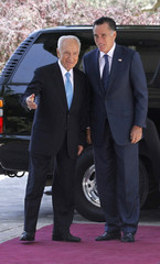 U.S. Republican presidential candidate Mitt Romney meets with Israel's President Shimon Peres in Jerusalem