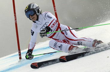 Kathrin Zettel of Austria competes during the women's giant slalom race at the Alpine Skiing World Championships in Garmisch-Partenkirchen