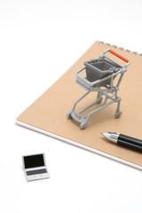 ショッピングカートとパソコン ネットショッピングイメージ