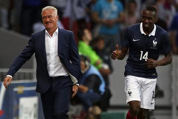 France' s Matuidi celebrates his goal with his coach Deschamps during their friendly soccer against Jamaica in Villeneuve d'Ascq