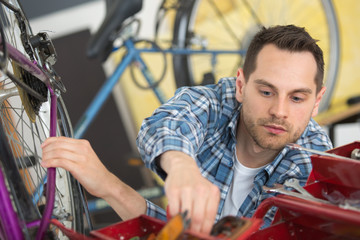 industrial bike assembler