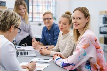 team-besprechung im büro