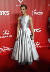 Kimberly Perry arrives at the 2015 MusiCares Person of the Year tribute honoring Bob Dylan in Los Angeles