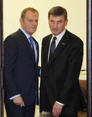 Poland's PM Tusk meets with his Estonian counterpart Ansip at Prime Minister Chancellery in Warsaw
