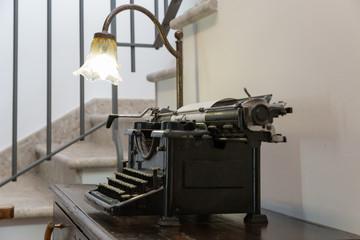 Vecchia macchina per scrivere