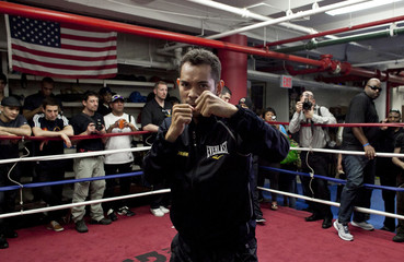 """Boxer Nonito Donaire poses for the media during a """"Manhattan Media Workout"""" at the Mendez Boxing Gym in New York"""