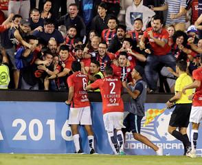Copa Sudamericana - Independiente de Santa Fe v Cerro Porteno
