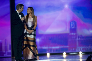 Miss America 1984 Vanessa Williams receives a public apology from Sam Haskell, CEO of the Miss America Organization during the Miss America Pageant at Boardwalk Hall, in Atlantic City