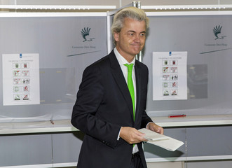 Geert Wilders of the anti-immigration Dutch Freedom Party casts his vote during the European Parliament elections, in an elementary school in the Hague