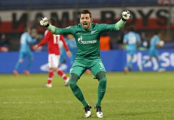 Football Soccer - Zenit St. Petersburg v Benfica - Champions League