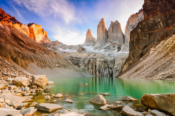 Laguna torres with the towers at sunset, Torres del Paine National Park, Patagonia, Chile Fototapete