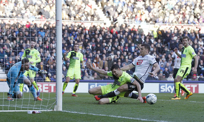 Derby County v Huddersfield Town - Sky Bet Football League Championship