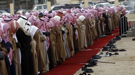 "Saudis perform the ""Istisqa"" prayer for rain in Riyadh"