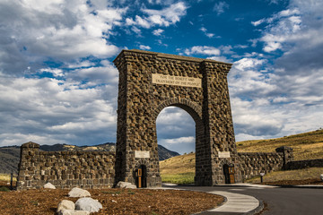 the Roosevelt gate entrance to Yellowstone National Park