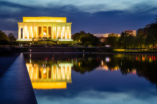Abraham Lincoln Memorial at sunset, Washington DC, USA