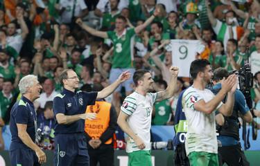 Italy v Republic of Ireland - EURO 2016 - Group E