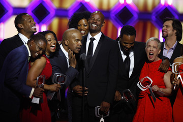 Actors Tommy Davidson, Marlon Wayans, T'Keyah Crystal Keymah, David Alan Grier, Kim Wayans, Keenen Ivory Wayans, Shawn Wayans, Kelly Coffield Park and Jim Carrey of the show 'In Living Color' accept an award during the 10th Anniversary TV Land Awards in Ne