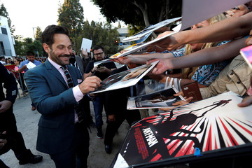 """Cast member Rudd signs autographs at the premiere for the movie """"Sausage Party"""" in Los Angeles"""