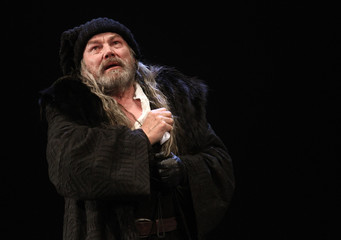 """Brandauer performs as Lear during a dress rehearsal of """"King Lear"""" at Burgtheater theatre in Vienna"""