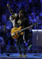 Musician Lenny Kravitz performs at the Democratic National Convention in Philadelphia, Pennsylvania