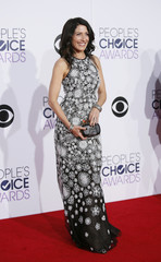 Lisa Edelstein arrives at the 2015 People's Choice Awards in Los Angeles